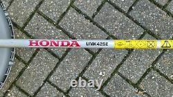 Honda UMK425E 4-stroke petrol Brushcutter / Strimmer with Bullhorn handles