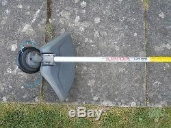 Honda Umk425e Strimmer Brush Cutter Petrol 25. CC 4 Stroke