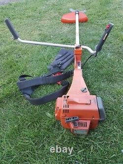 Husqvarna 250R Professional Brushcutter, Clearing Saw, Strimmer 48.7cc 2.1kw