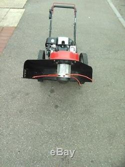 Cobra Wt56b Briggs Avec Débroussailleuse À Trimmer À Roues Motorisée