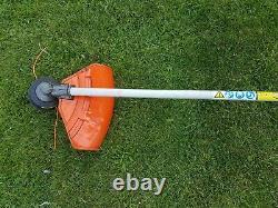 Echo Srm-410es Professionnel Lourd Strimmer Brushcutter 42.7cc Essence Stihl