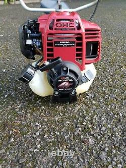 Honda Umk 425 Ue 25cc 4-stroke Petrol Brush Cutter Strimmer, À Peine Utilisé