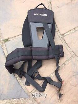 Honda Umk 435 4 Stroke Petrol Débroussailleuse / Débroussailleuse Et Harnais Rembourré