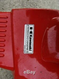 Kawasaki Tj27e Stihl Pelouse Essence Débroussailleuse Débroussailleuse Herbe Tondeuse À Gazon Bk27ed