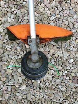 Stihl Fs120 Professional Tondeuse À Gazon / Débroussailleuse Bull-cornes, Condition De Travail