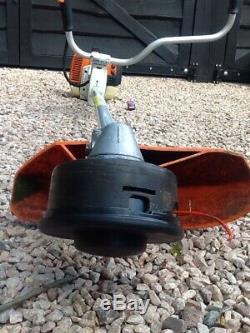 Stihl Fs400 Cisaille À Débroussailleuse Vient D'être Nettoyée Fs300 / Fs410 / Fs450 / Fs460 / Km
