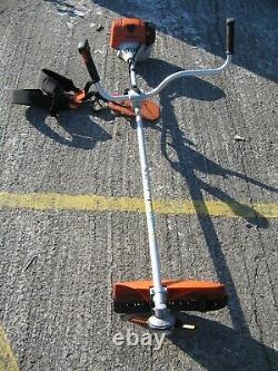 Stihl Fs90 Brushcutter Et Harnais
