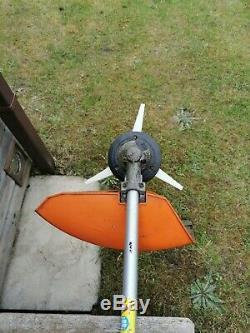 Stihl Fs 130 4 MIX Débroussailleuse Débroussailleuse Avec Une Tête De Stihl Polycut